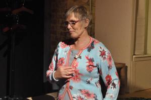 Theaterguppe Szenenwechsel - Familiengeschaefte - Yvonne