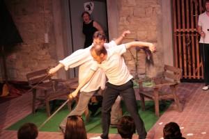 Theatergruppe Szenenwechsel Was ihr wollt - Fechtszene