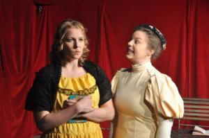 Theaterguppe Szenenwechsel - Ernst sein ist alles - Cecily und Gwendolen