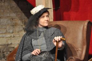 Theaterguppe Szenenwechsel - Ernst sein ist alles - Lady Bracknell