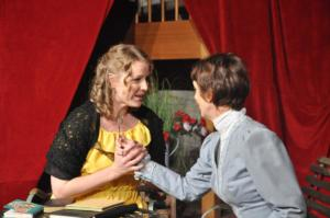 Theaterguppe Szenenwechsel - Ernst sein ist alles - Cecily Cardew und Miss Prism