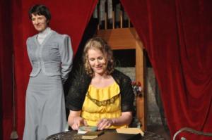 Theaterguppe Szenenwechsel - Ernst sein ist alles - Miss Prism und Cecily Cardew