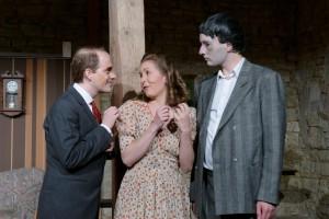 Theatergruppe Szenenwechsel Arsen und Spitzenhäubchen - Jonathan Brewster, Elaine Harper, Dr. Einstein(c) adamo