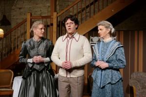Theatergruppe Szenenwechsel Arsen und Spitzenhäubchen - Die Tanten und der Lieblingsneffe(c) adamo